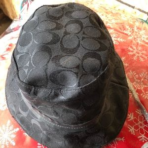 Women Coach hat